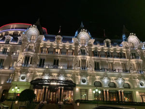 The luxurious Hôtel De Paris, where the first chess award ceremony was inaugurated